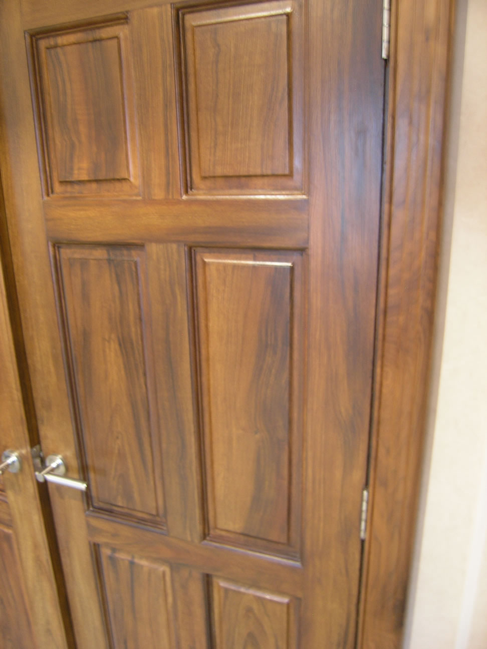 Decorative paint finishes glasgow scotland gilding wood for Wood effect kitchen doors